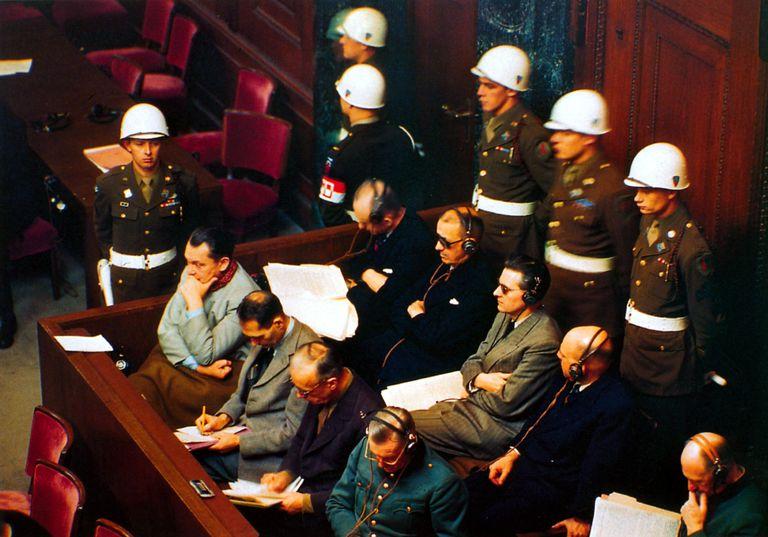 Nuremberg procès insigne us 1 - PROCÈS NUREMBERG, INSIGNE US [VENDU]