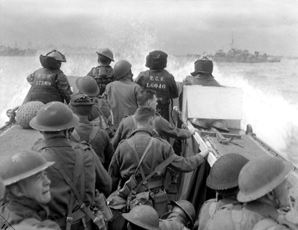 Troupes canadiennes debarquement Juno beach