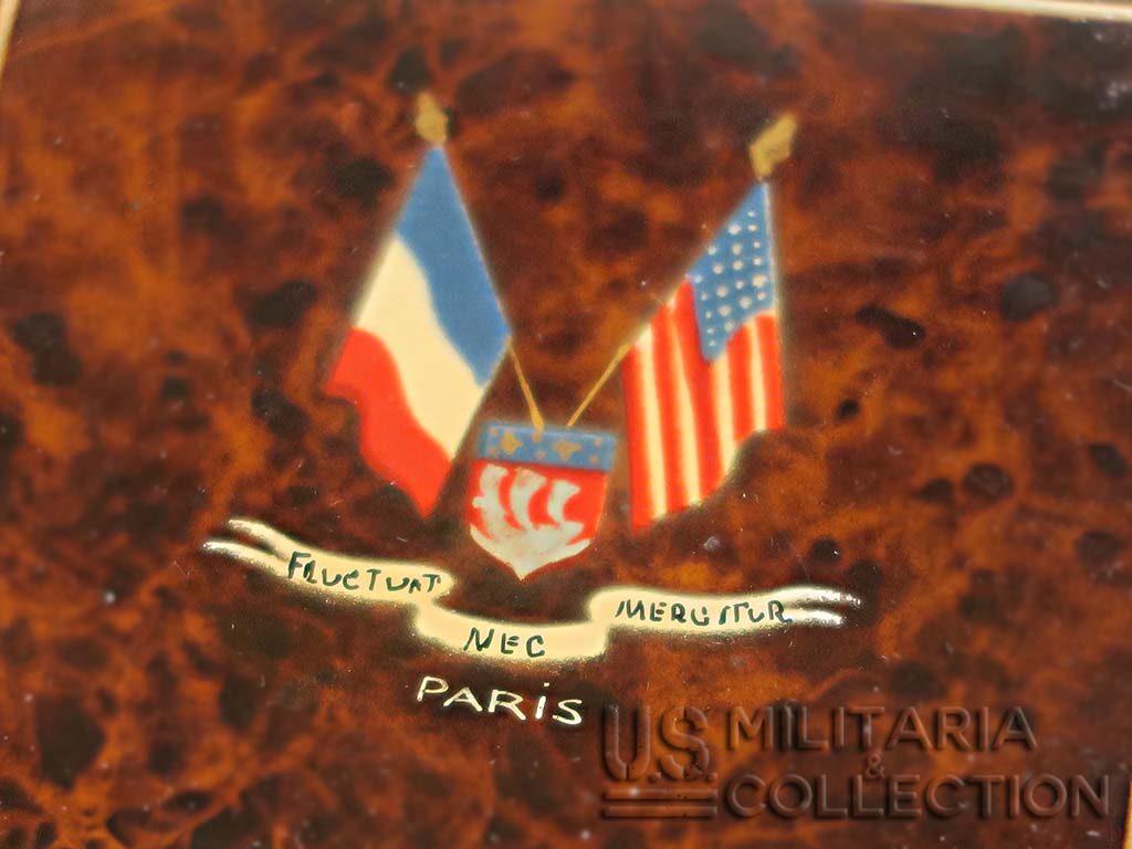 POUDRIER FÉMININ, TROUPES AMÉRICAINES, PARIS
