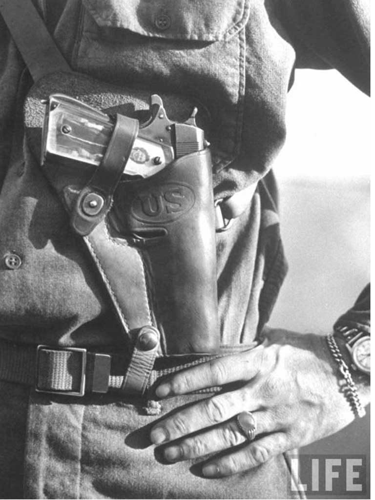 Holster d'épaule M3 pour Colt 45 daté 1944