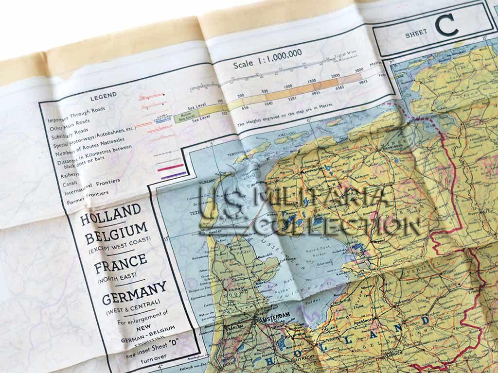 Carte évasion en soie 1943 et pochette