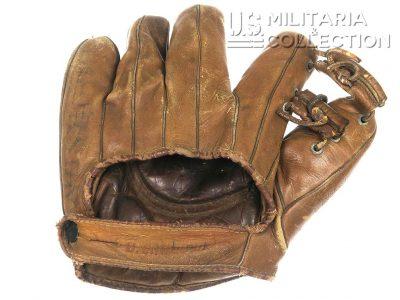 Gant de Baseball US NAVY, Nominatif