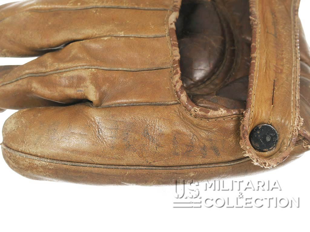 Gant de Baseball US NAVY, Nominatif