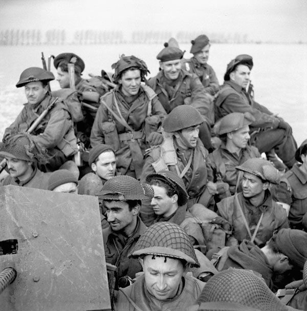 Casque MKIII précoce 1942, Troupes canadiennes